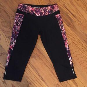 Pants - Black & Snakeskin Print Fitness Capris